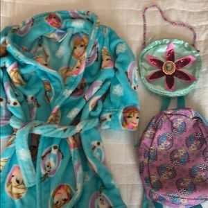 Bundle, frozen bathtub, small backpack and purse